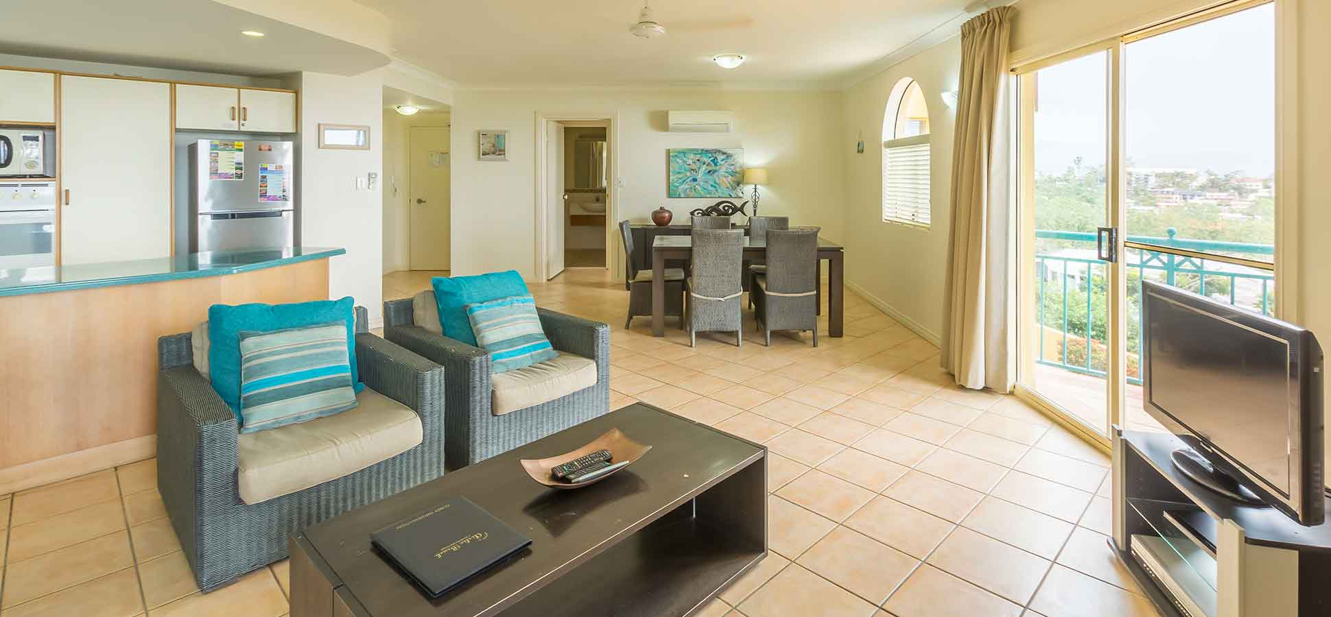 airlie beach apartments two bedroom
